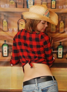Country Girl Diddy Strips Out Of Her Cute Lil Outfit Showing Off Her Perky Tits - Picture 4