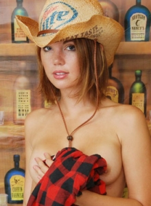 Country Girl Diddy Strips Out Of Her Cute Lil Outfit Showing Off Her Perky Tits - Picture 8
