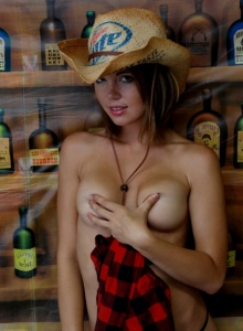 Country Girl Diddy Strips Out Of Her Cute Lil Outfit Showing Off Her Perky Tits - Picture 9